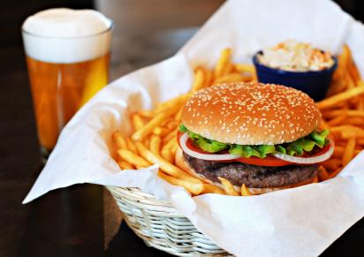 hamburger__beer