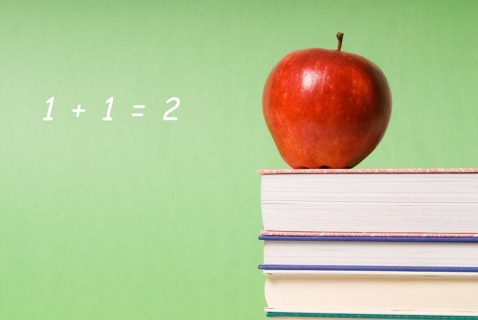 school-books-apple
