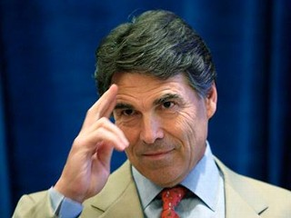 Rick_Perry_salutes