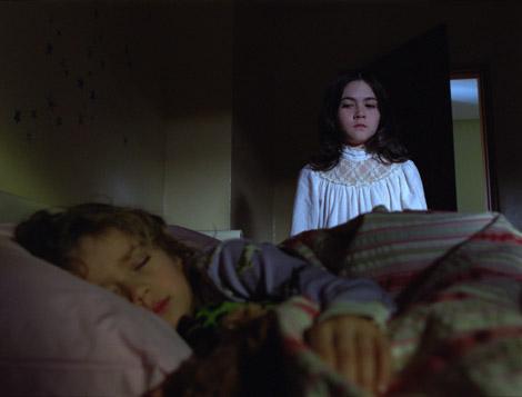 Orphan-movie-w02