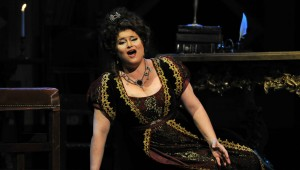 Soprano Carter Scott reprised her 2005 role as Floria Tosca in Fort Worth Opera's spellbinding new production of the Puccini classic.