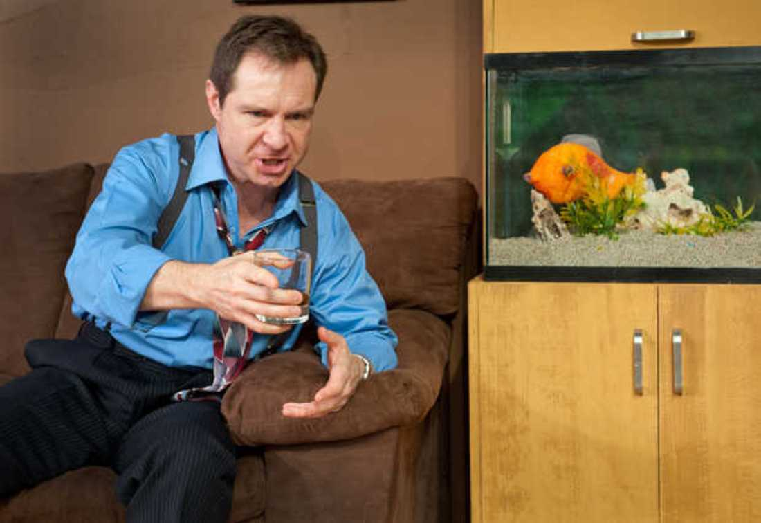 STEVEN POUNDERS CO-STARS WITH A FISH PUPPET IN CIRCLE'S LATEST.