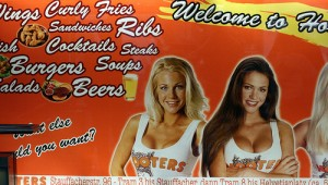 1-hooters