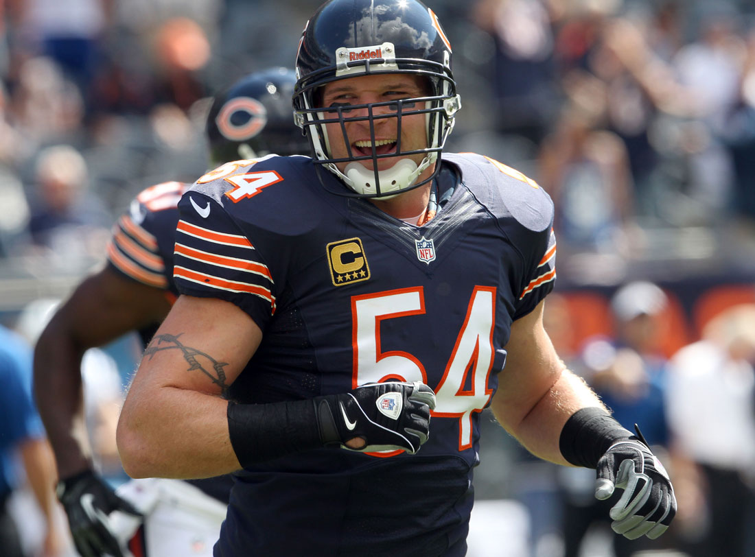 Brian Urlacher leads the Bears into Monday's game.