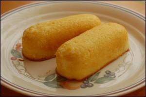 twinkies-on-plate