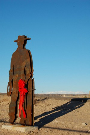 MEMORIAL TO A DEAD COWBOY (photo by sburke2478)