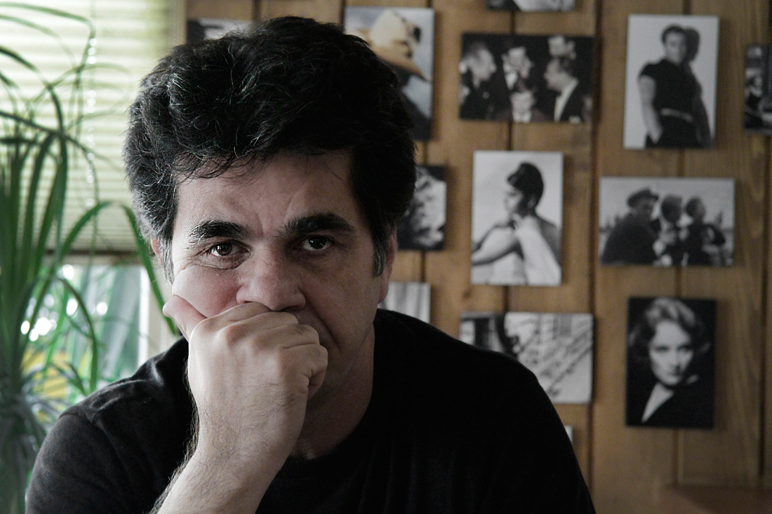 Jafar Panahi in This Is Not a Film.