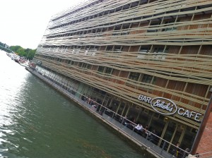 Belushi's Canal is part of a bar/hostel chain that runs throughout Europe.