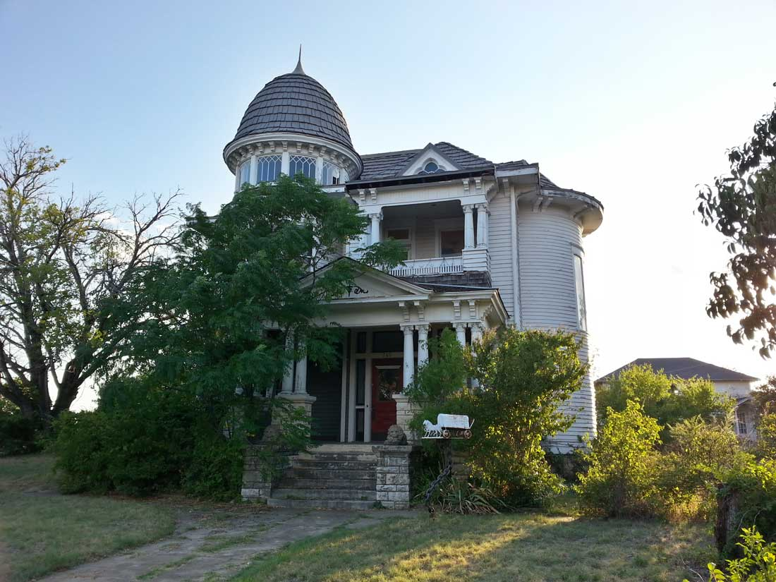 Historic Fort Worth has listed the Garvey-Viehl-Kelley House on Samuels Avenue as one of Fort Worth's most endangered places. Mario Montalvo