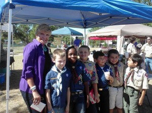 MAYOR BETSY PRICE AND SOME YOUNG CONSTITUENTS AT BLUEBONNET CIRCLE PARK (photo by Edward Brown).