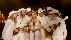 "Veerle Baetens and band sing Belgian bluegrass in ""The Broken Circle Breakdown"""