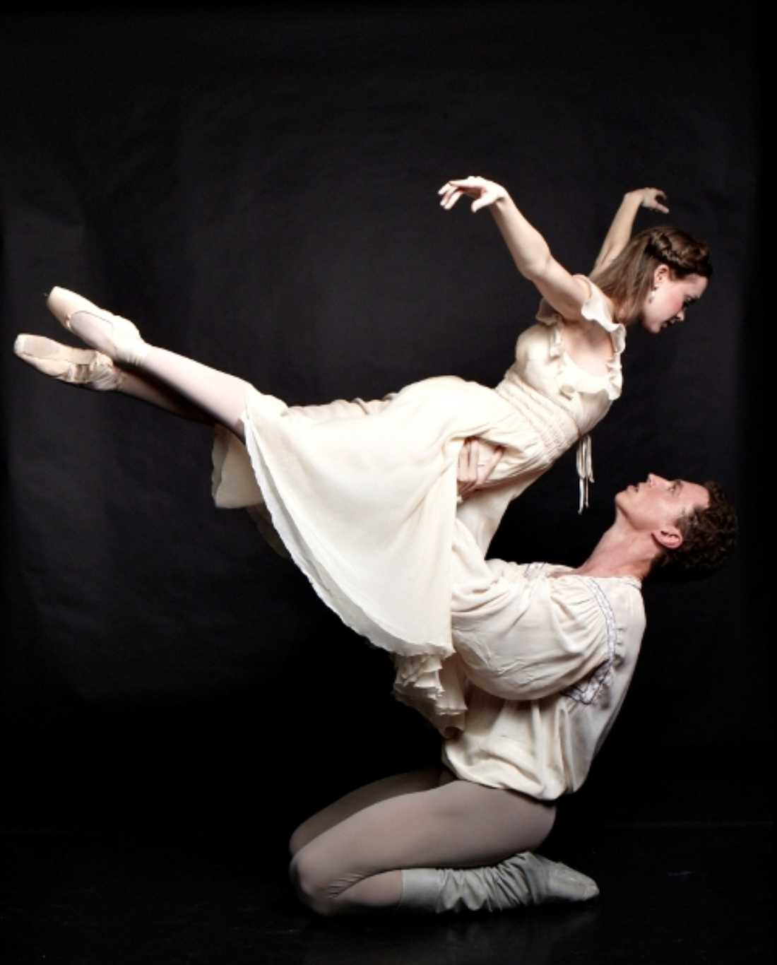 Carolyn Judson and Lucas Priolo danced the titles roles in Texas Ballet Theater's production of Romeo and Juliet.