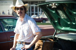 Matthew McConaughey hawks life-saving unapproved drugs in Dallas Buyers Club.