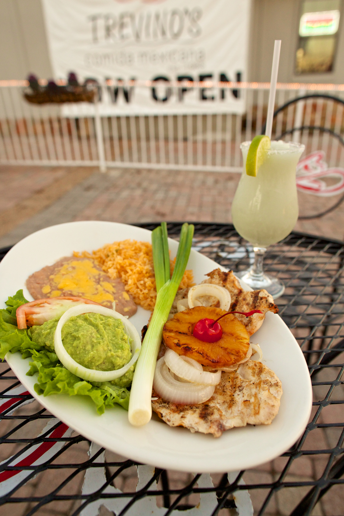 Treviño's chicken breast with a guacamole salad and a margarita are callin' your name. Vishal Malhotra