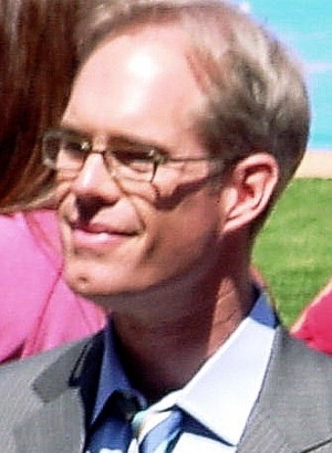 JOE BUCK CHOKED AND LOST THE GAME FOR TONY ROMO AND THE COWBOYS. (photo courtesy Wikipedia)