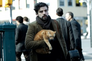 Oscar Isaac squires a housecat around Manhattan while looking for work in Inside Llewyn Davis.