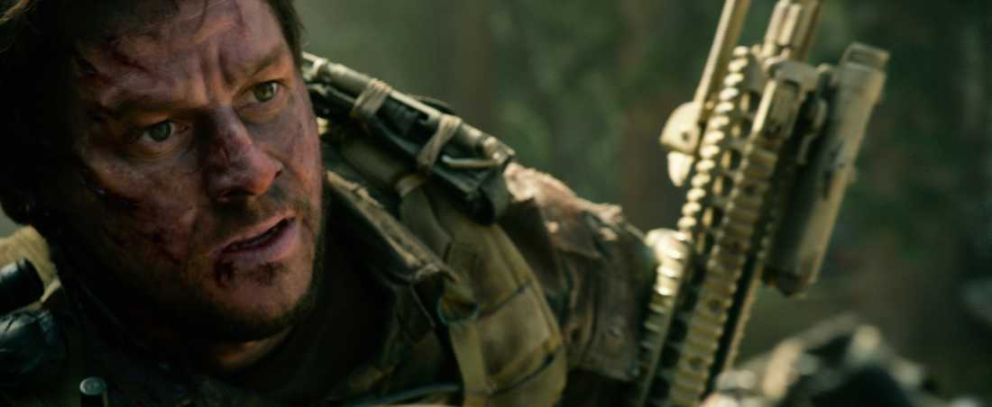 Mark Wahlberg tries to make it out of Afghanistan in Lone Survivor.