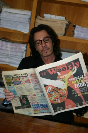 RICK SPRINGFIELD READS AN EXCITING STORY IN FORT WORTH WEEKLY (photo by Jeff Prince)