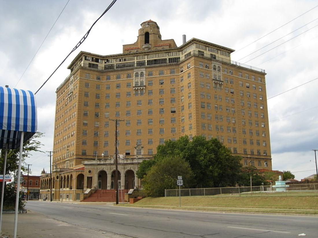The Baker Hotel In Mineral Wells Wikimedia Commons