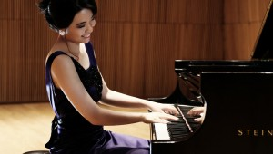 Joyce Yang plays Gershwin with FWSO.