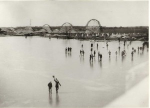 Casino Park dominated the (frozen) Lake Worth shoreline in the early 20th century. Courtesy North Fort Worth Historical Society