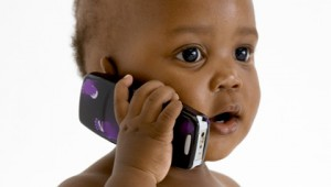 baby-with-cell-phone