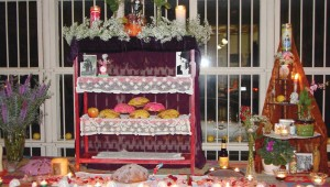 Come make an ofrenda for Día de los Muertos at Arts Fifth Avenue, Sat.