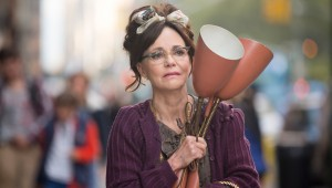 Clutching a lamp pulled from the trash, Sally Field makes her way home in Hello, My Name Is Doris.