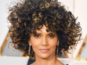 HALLE BERRY LOOKED STUNNING IN HER NEW 'DO.