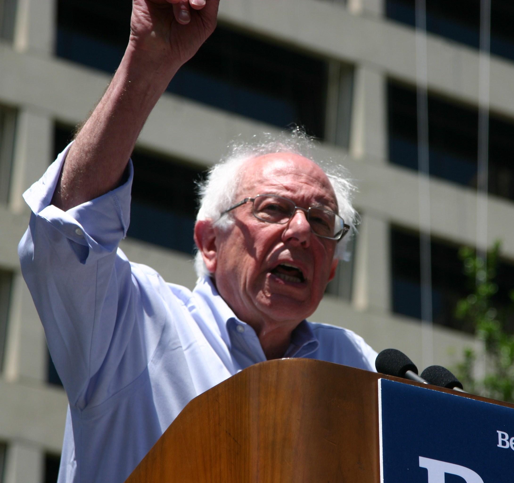 239aec9baffec Bernie Sanders Rally Draws About 1